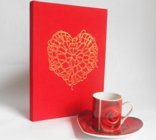 A5-Red-Gold-crochet-heart