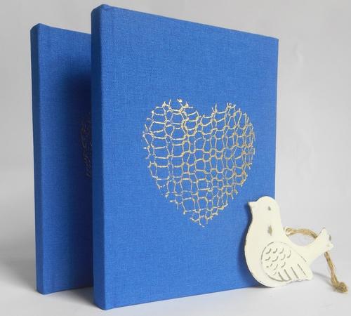 A6-Blue-Gold-Knit-heart