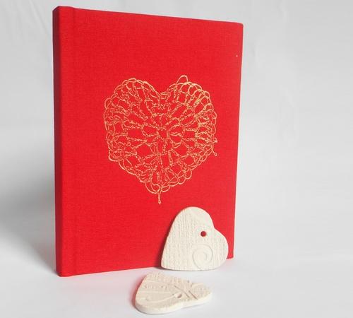A6-Red-Gold-crochet-heart