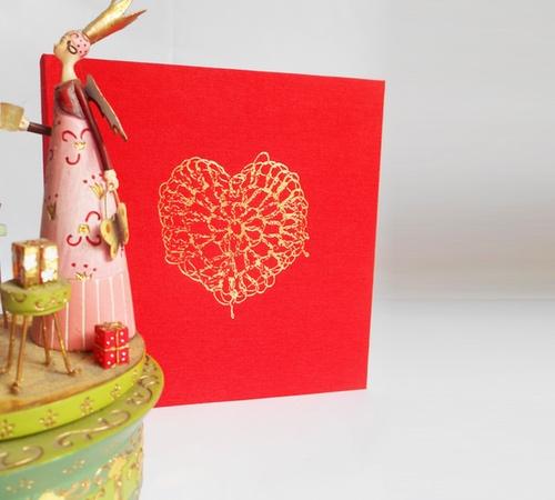 15cm-sq-red-gold-crochet-heart